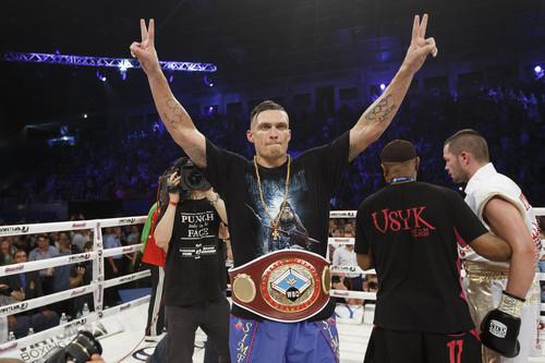 Усику присвоено звание Интерконтинентального боксера года