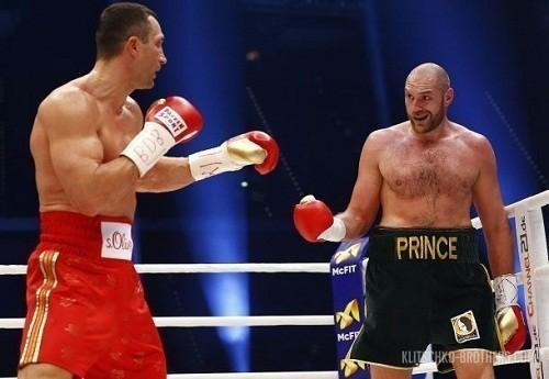 Травмированный Фьюри призывает Кличко скорее определиться сдатой реванша