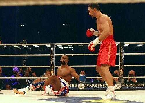 Дэвид Хэй нокаутом проиграл действующему чемпиону мира
