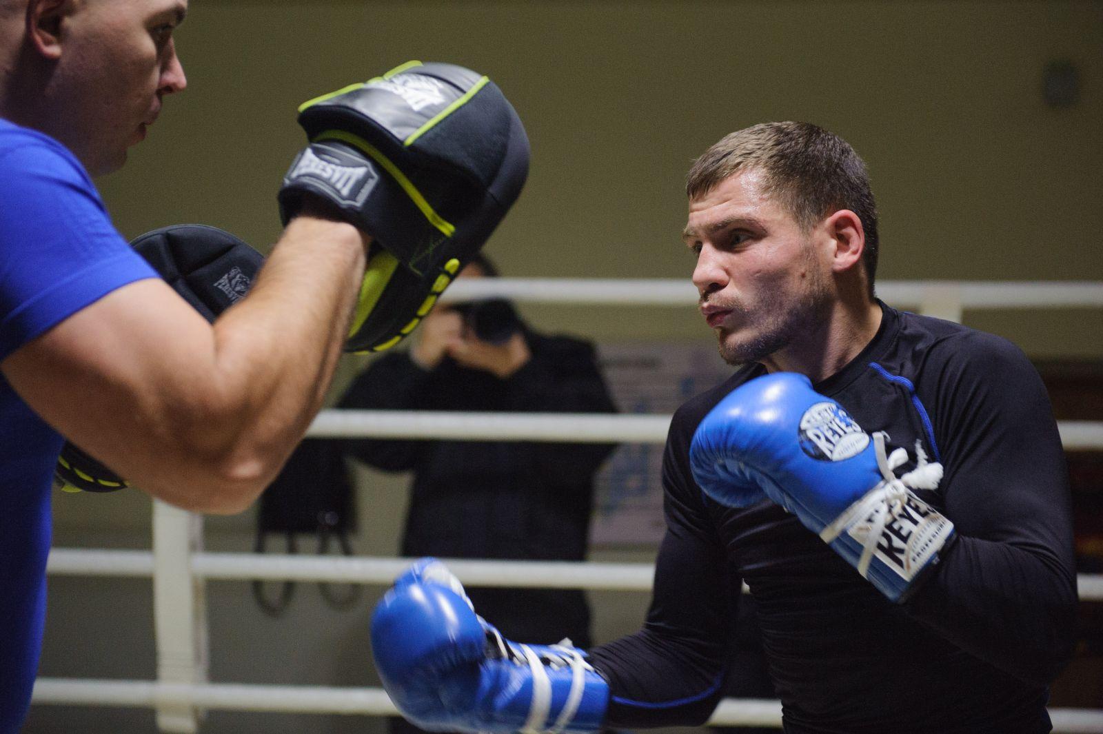 Украинский вечер бокса. Беринчик отстоял чемпионский пояс нокаутом вшестом раунде